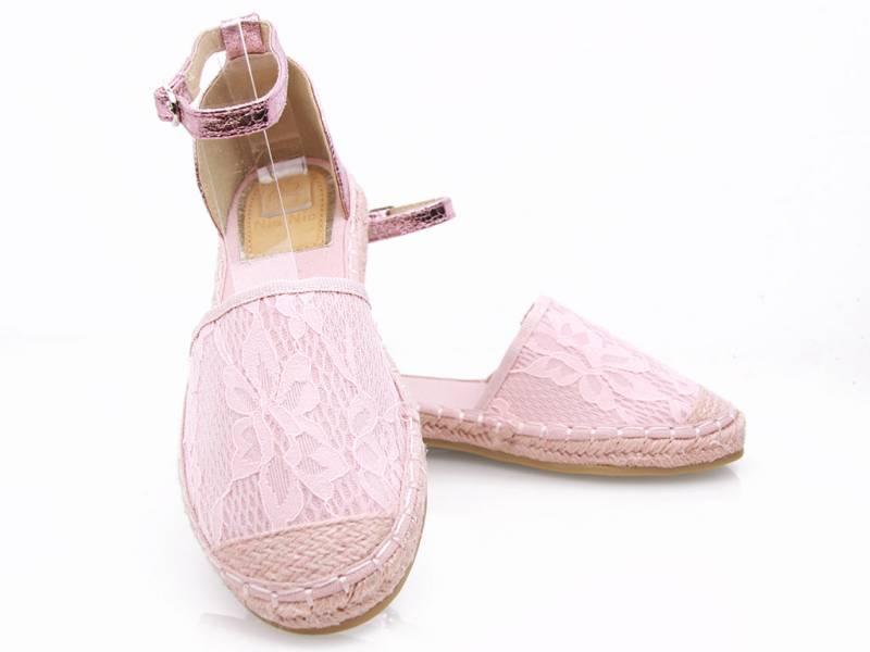 Ružové slamené sandálky