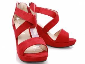 Červené sandálky na platforme