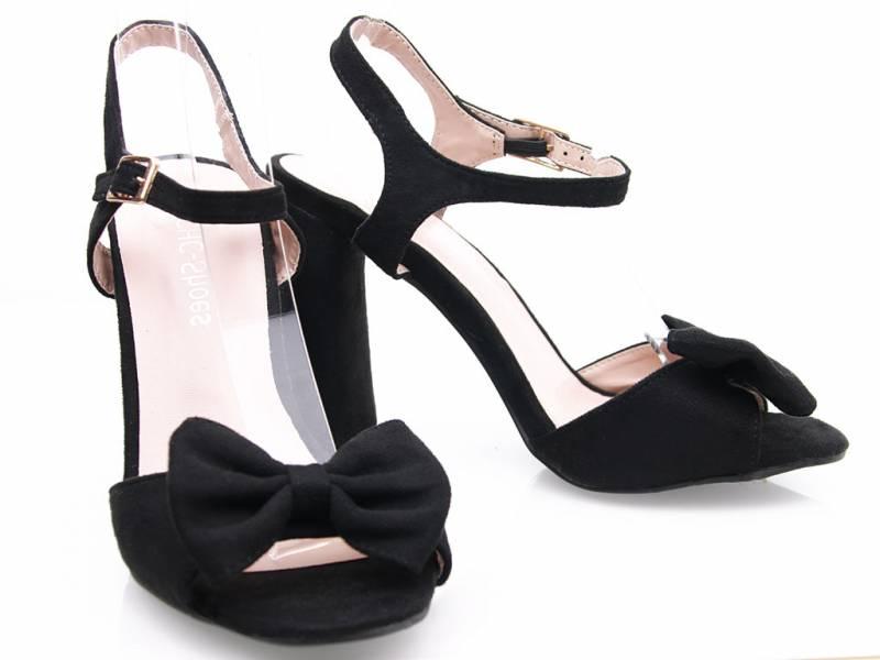 Čierne elegantné sandále
