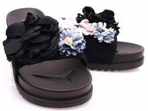 Čierne kvetinové šlapky
