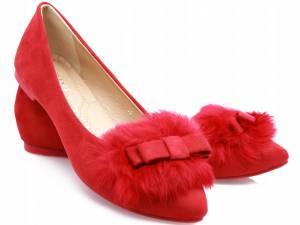 Špicaté červené baleríny