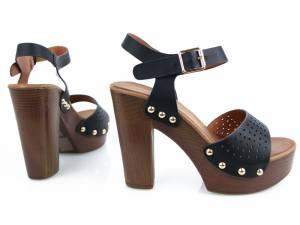 Drevené sandálky čierne