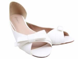 Biele balerínky ako sandálky