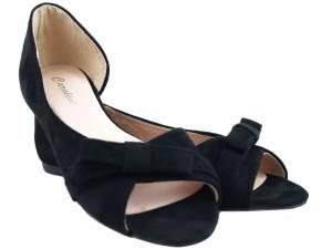 Čierne balerínky ako sandálky semišové