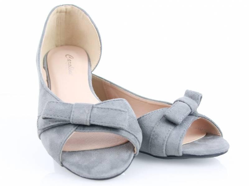 Šedé balerínky ako sandálky semišové
