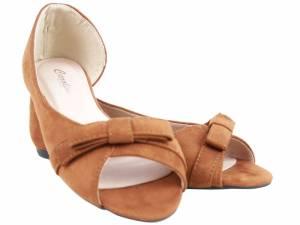 Hnedé balerínky ako sandálky semišové
