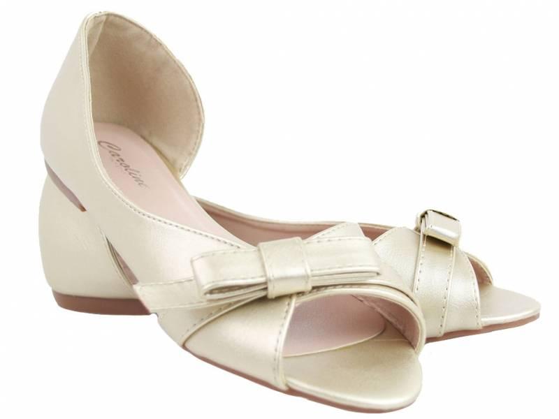 Zlaté balerínky ako sandálky