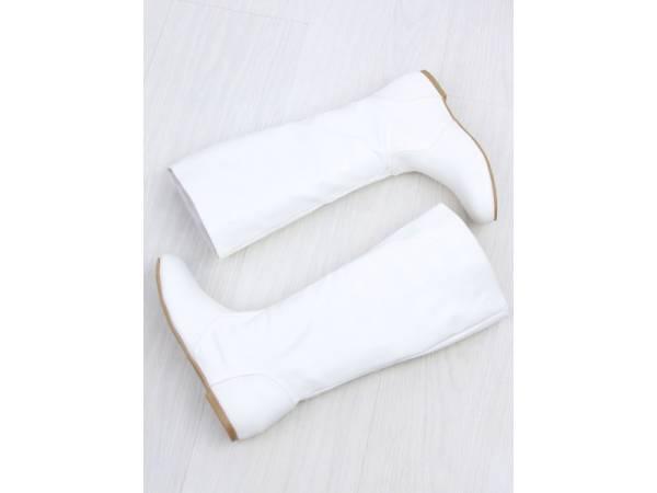 Biele pohodlné čižmy