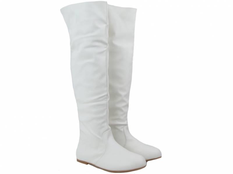 Biele čižmy nad koleno