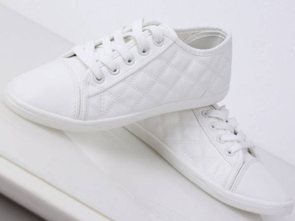 Klasické tenisky biele