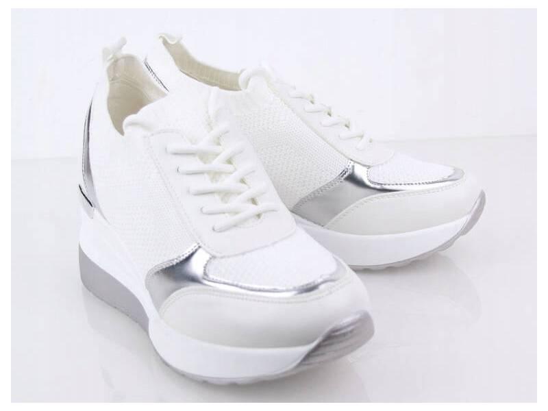Biele športové tenisky