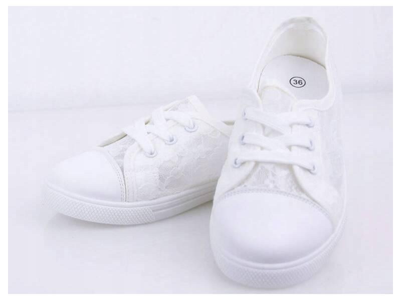 Biele čipkované tenisky