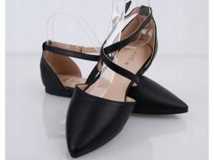 Čierne balerínky špicaté