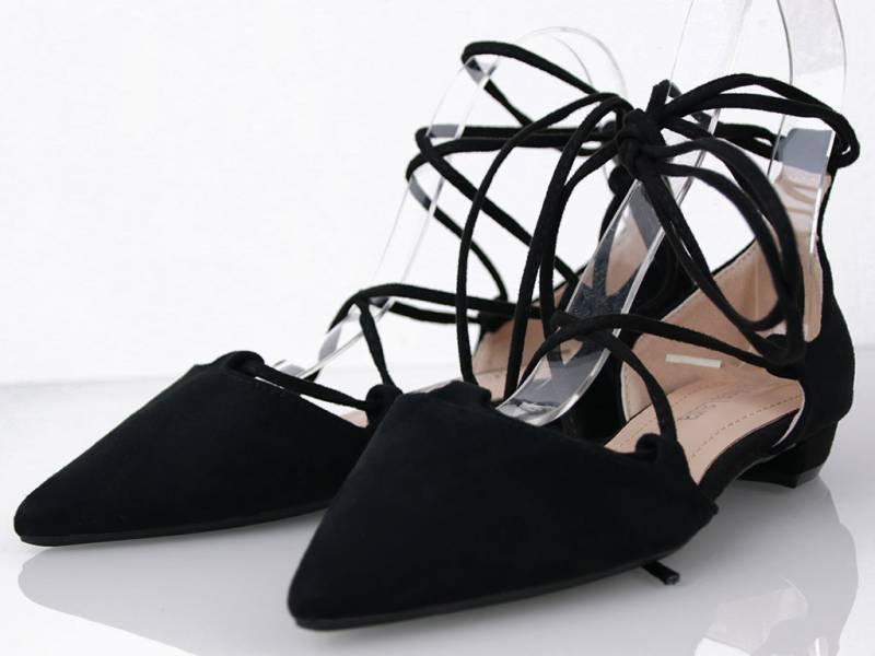 Čierne šnúrovacie balerínky
