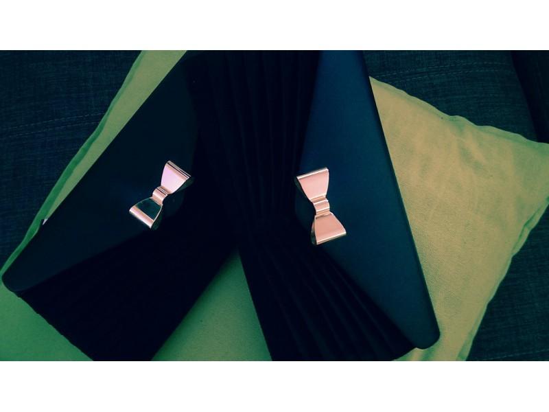 Listová kabelka s mašličkou