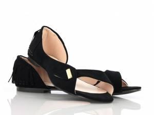 Čierne strapcové balerínky