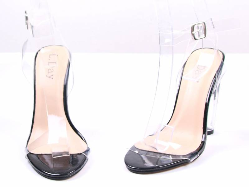 Čierne sandálky na opätku